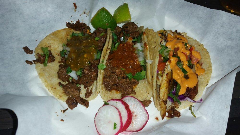 Taco Tapatio 40 Photos Amp 53 Reviews Mexican 502 E