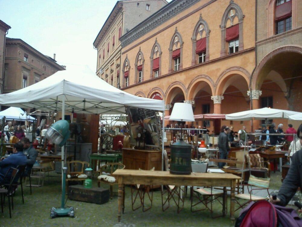 Mercatino dell antiquariato 14 foto mercati for Antiquariato bologna
