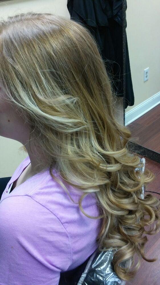 Photos for la bella vita hair salon yelp for La bella vita salon