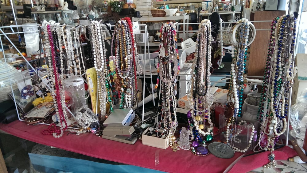 Flea Market: 8943 Natural Bridge Rd, Saint Louis, MO