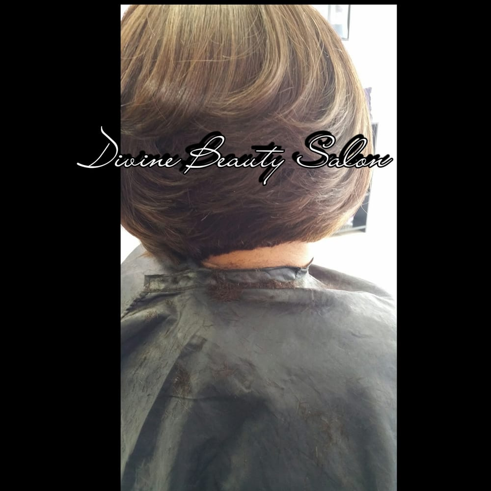 Cutting a weave into a bob yelp for K divine hair salon