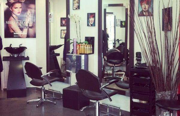 De l autre c t du miroir coiffeurs salons de coiffure for Salon de coiffure miroir