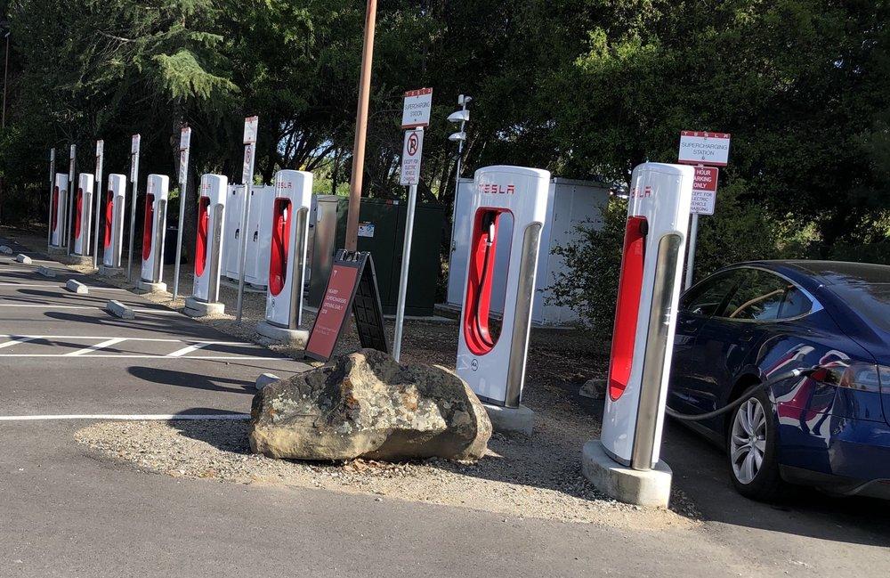 Tesla Supercharger - Atascadero: 6950 El Camino Real, Atascadero, CA
