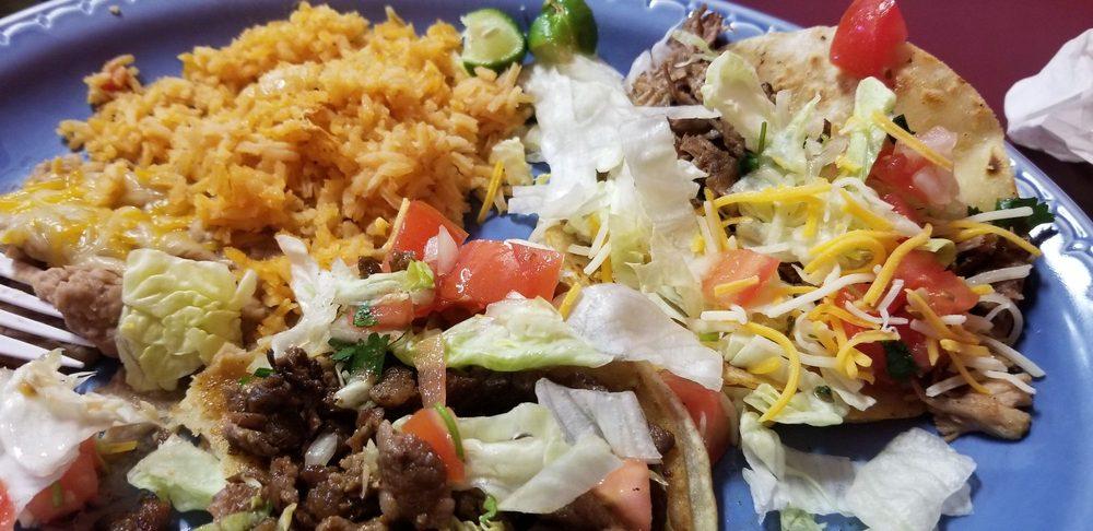Rico's Tacos Family Restaurant: 113 E Miner St, Yreka, CA