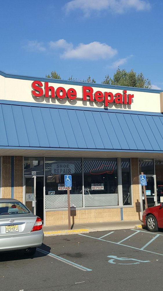 University Shoe & Luggage Repair: 106 Flock Rd, Hamilton, NJ