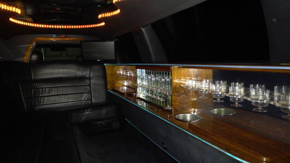 Esquire Limousine of Texas: 933 Bluff Springs Rd, Ferris, TX