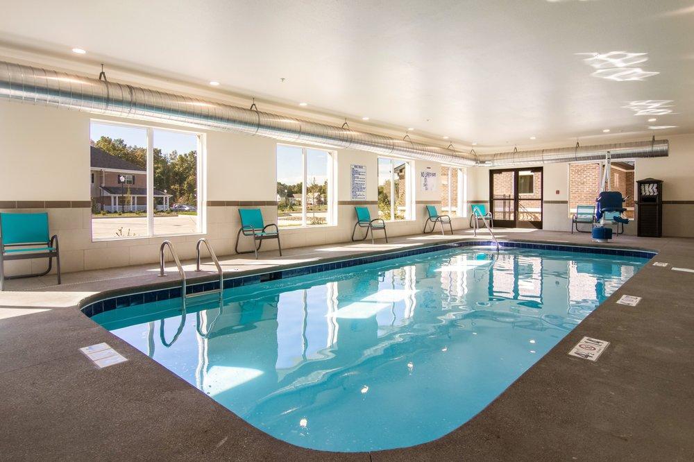 Comfort Suites: 1464 Town Center Blvd, Brunswick, OH