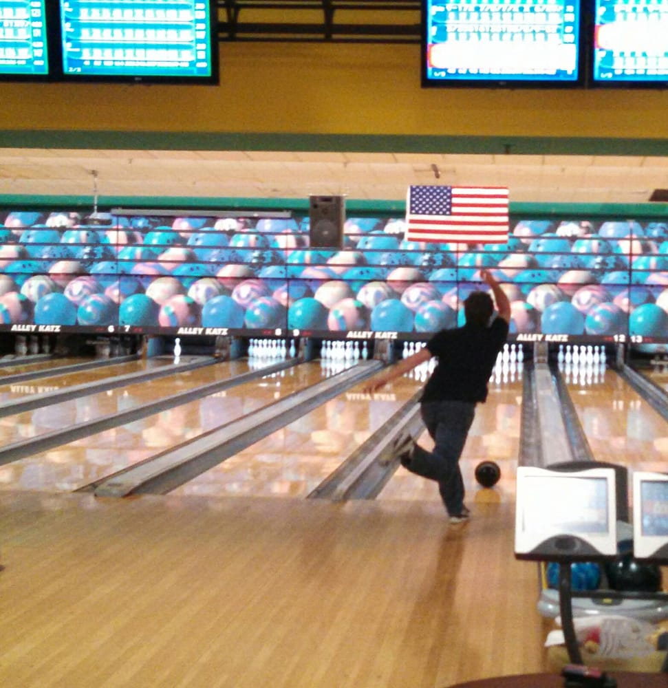 alley cats bowling westerly ri restaurants
