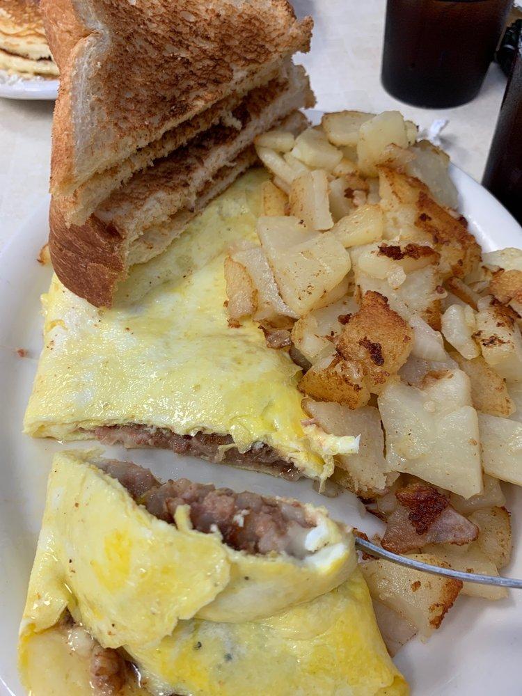 Denise's Cafe: 163 Stark St, Randolph, WI