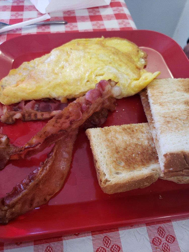 The Kountry Kafe: 10400 N Hwy 191, Elfrida, AZ