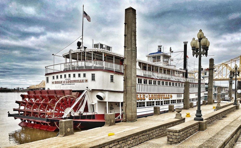 Belle of Louisville: 401 W River Rd, Louisville, KY