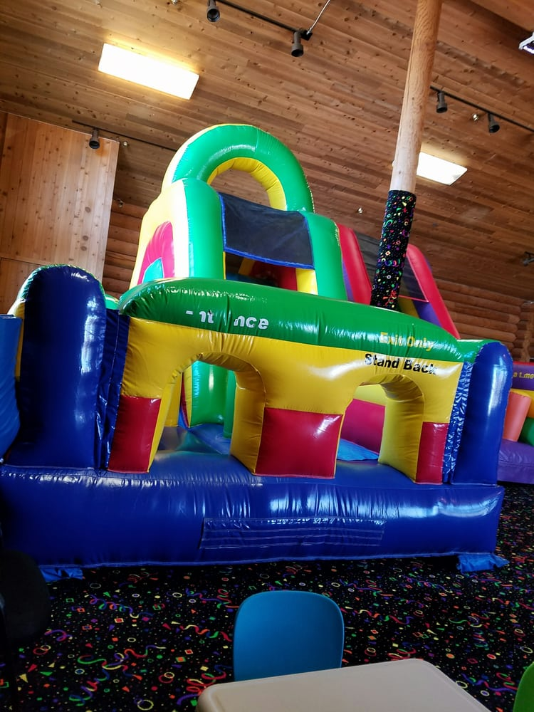 Bouncin: 390 NE Midway Blvd, Oak Harbor, WA