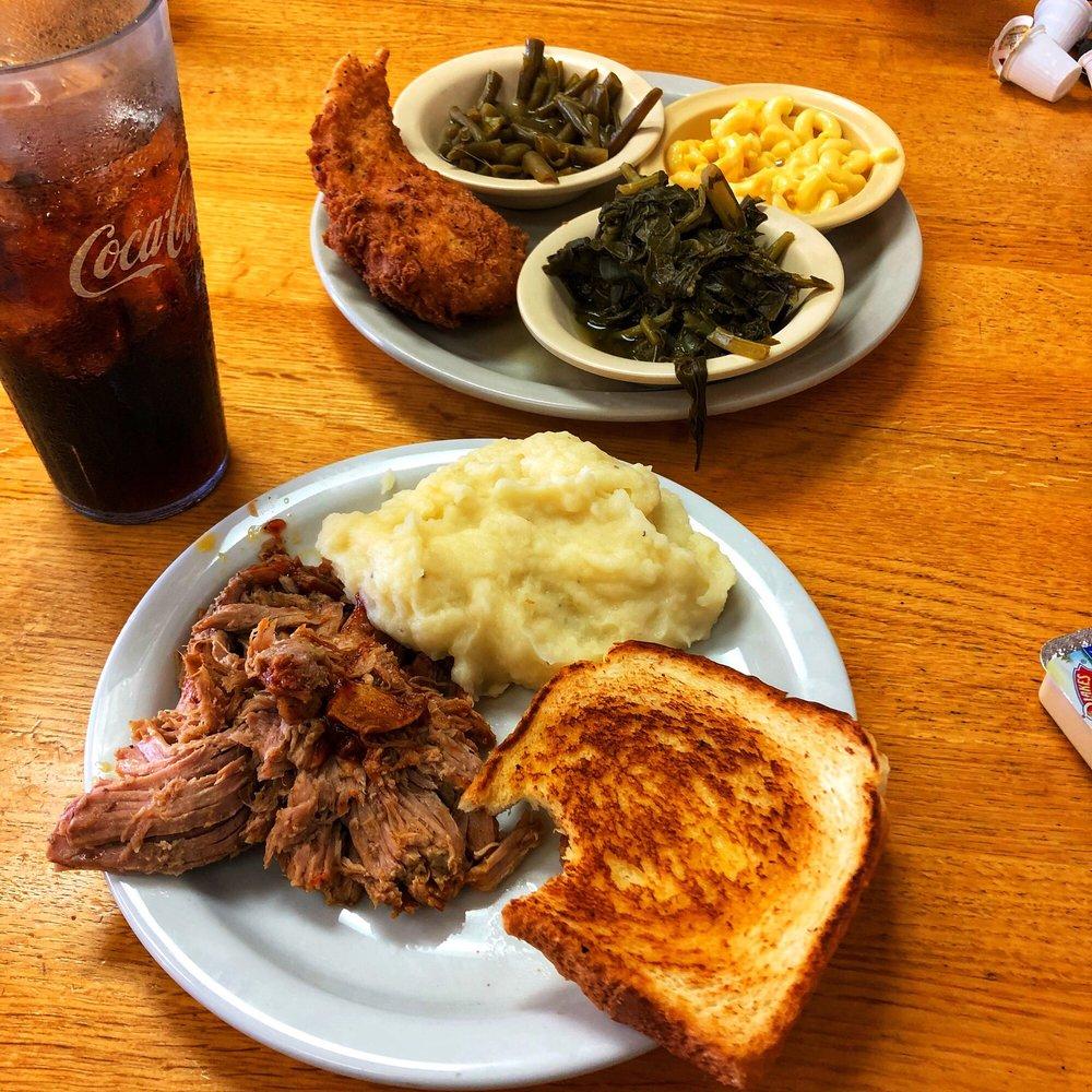 East Main Diner: 339 E Main St, Auburn, KY