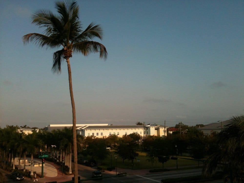 Key Biscayne Community Center: 88 W Mcintyre St, Key Biscayne, FL