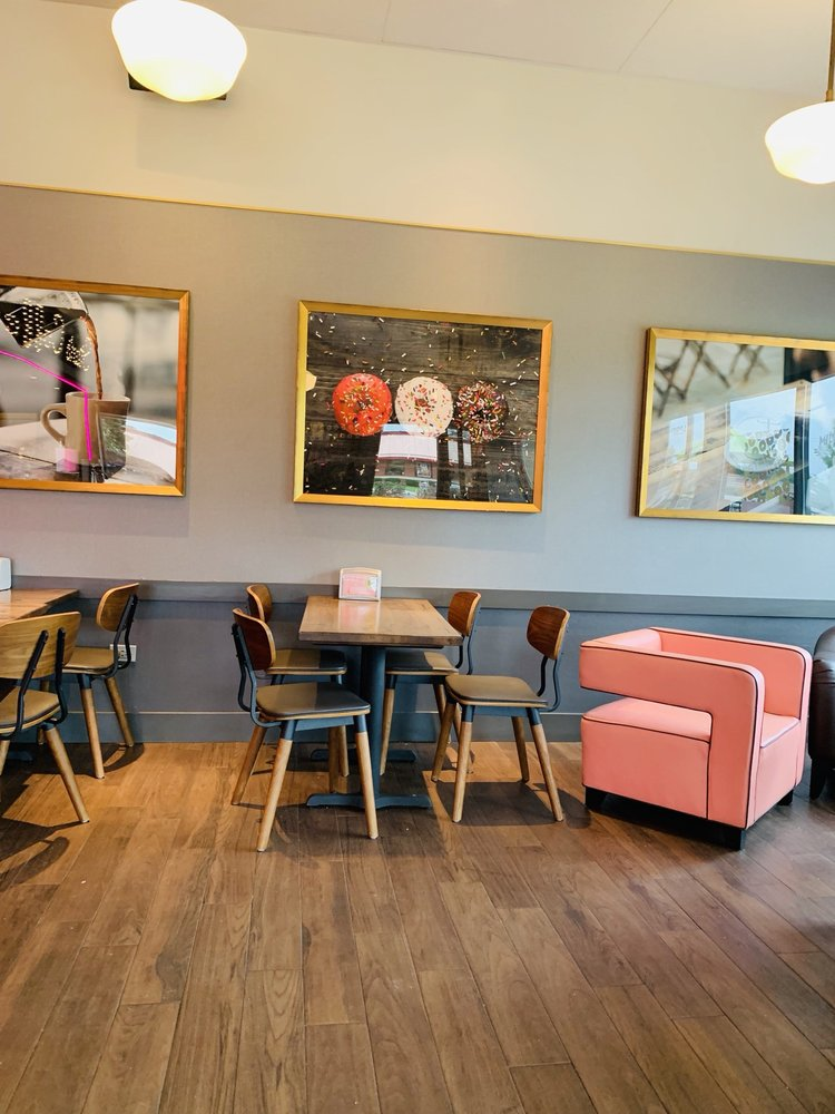 Stan's Donuts & Coffee: 17W615 Butterfield Rd, Oakbrook Terrace, IL