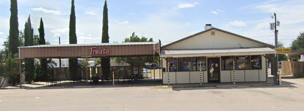 Howard's Drive Inn: 810 S Gaston St, Crane, TX