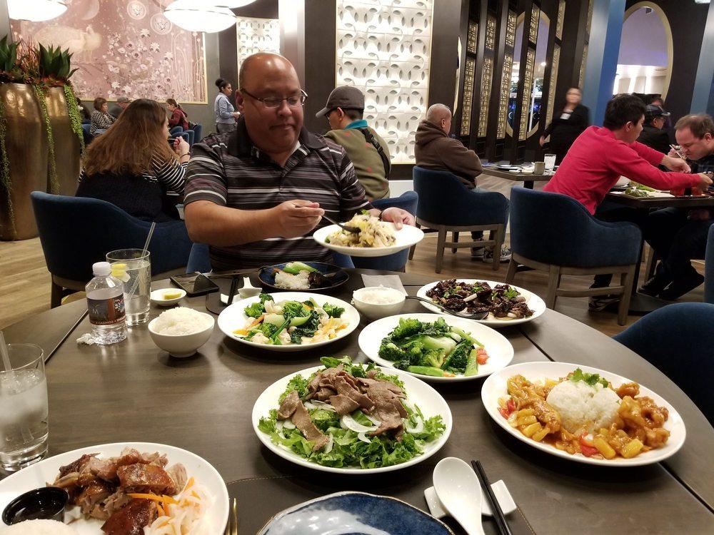 Mozen Asian Kitchen: 49500 Seminole Dr, Cabazon, CA