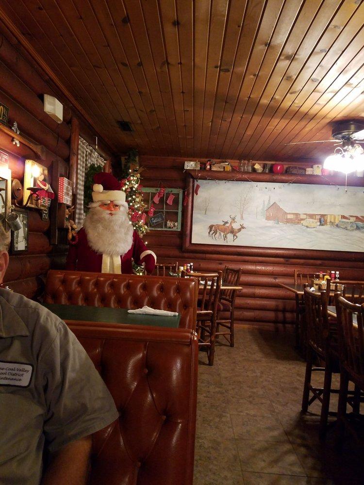 Scapecchi's Supper Club: State Rt 116 W, Farmington, IL