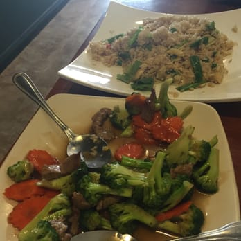 Michelle v 39 s reviews north hollywood yelp for Amazing thai cuisine north hollywood