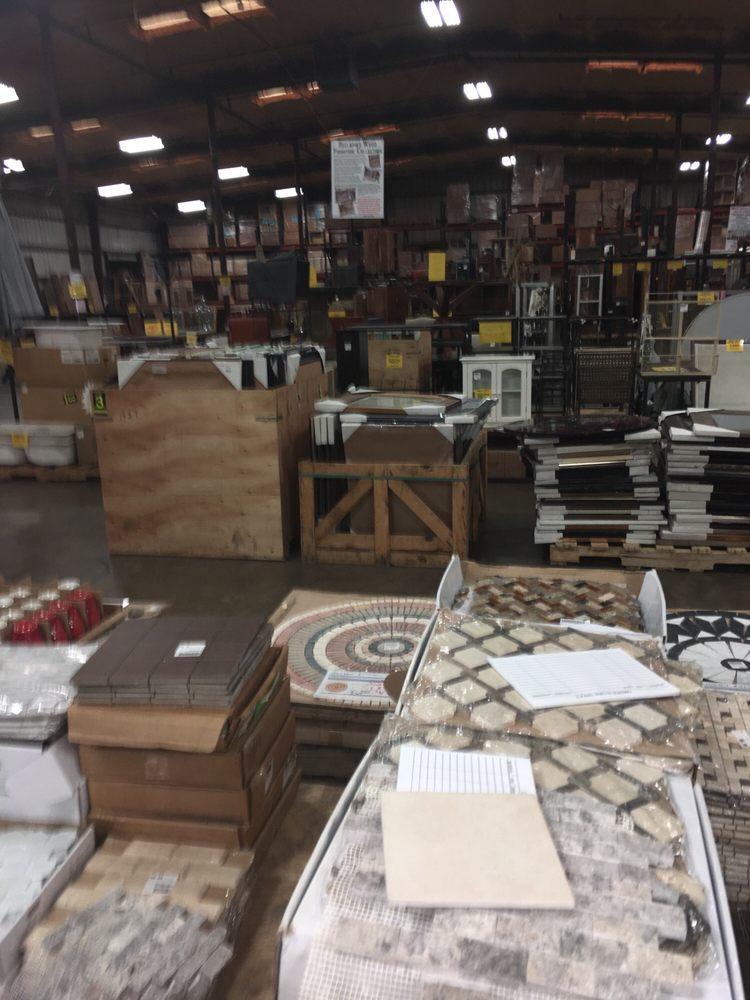 Southeastern salvage home emporium 30 foto materiali for Materiali da costruzione della casa