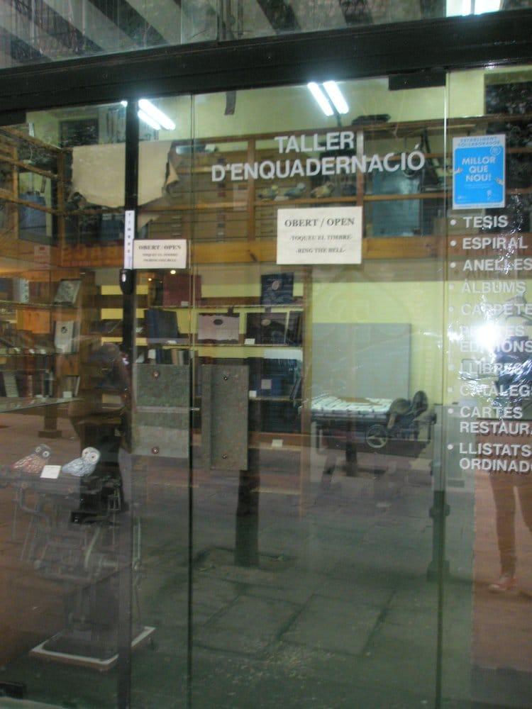 Tarlatana material de oficina carrer de la comtessa de for Material oficina barcelona