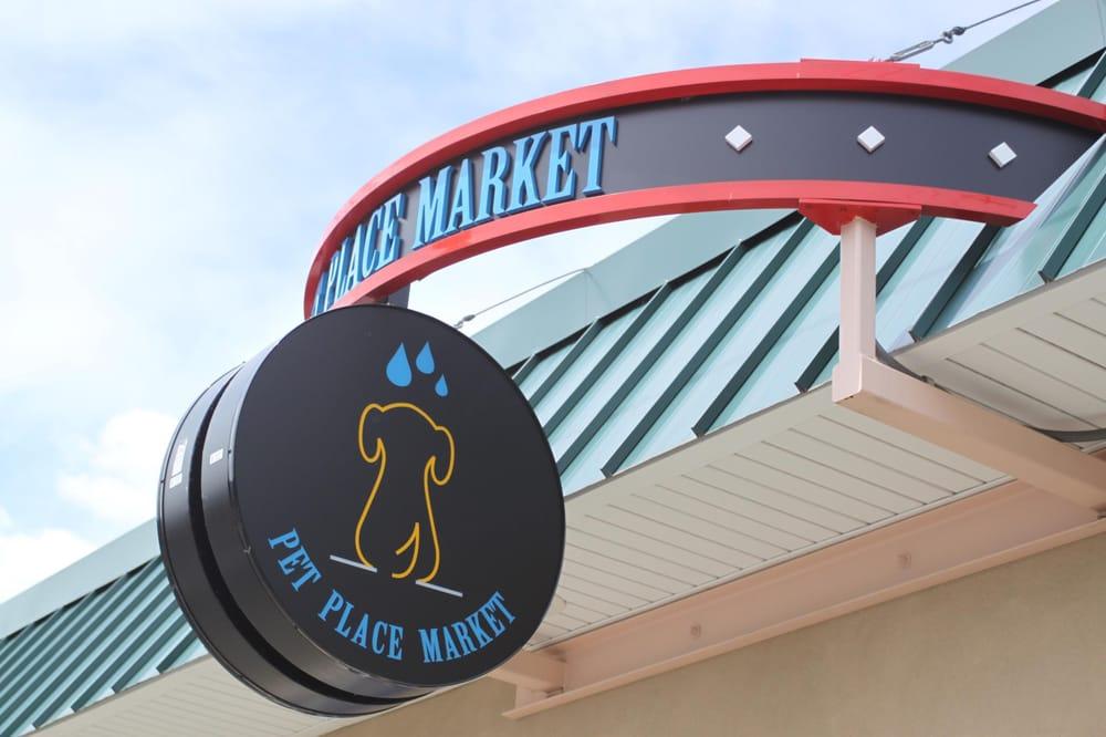 Pet Place Market: 213 Bendigo Blvd N, North Bend, WA