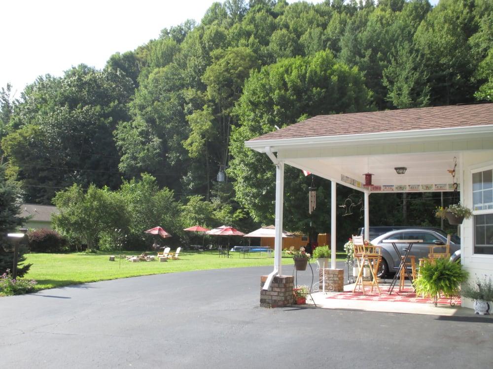 Cardinal Inn Hotels 3735 Soco Rd Maggie Valley Nc