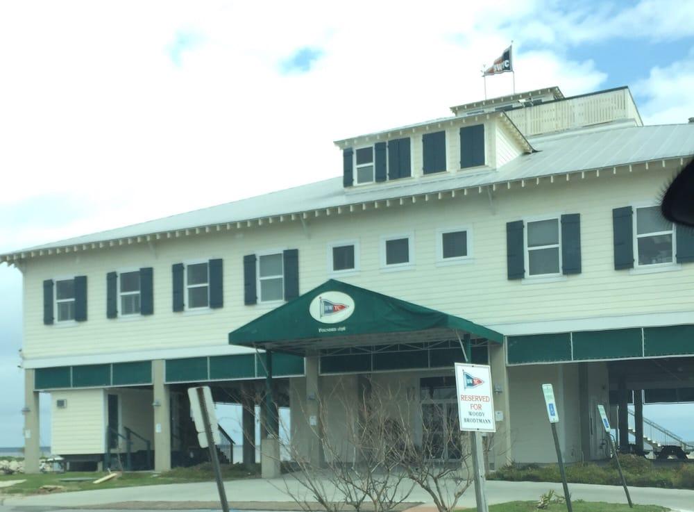 Bay-Waveland Yacht Club: 666 N Beach Blvd, Bay Saint Louis, MS