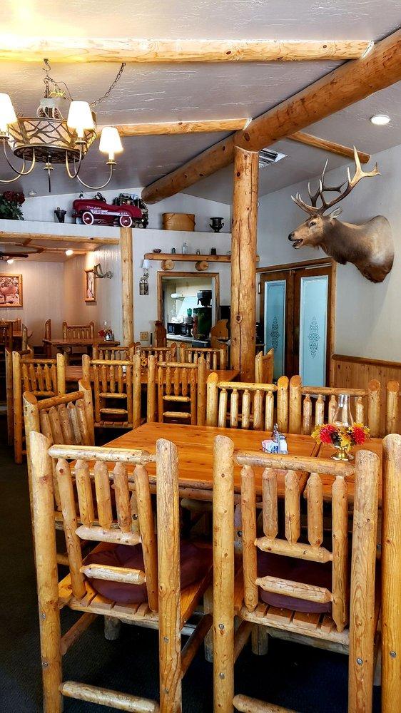 Hualapai Mountain Resort: 4525 Hualapai Mountain Rd, Kingman, AZ