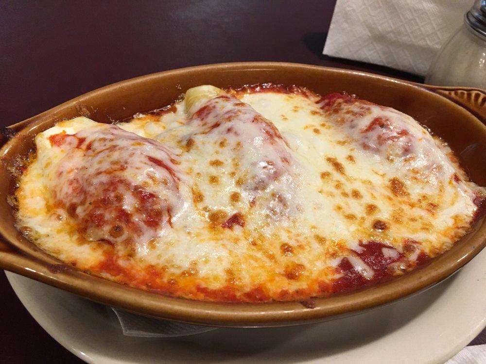 Photo of Padrinos Italian Restaurant: Beckley, WV