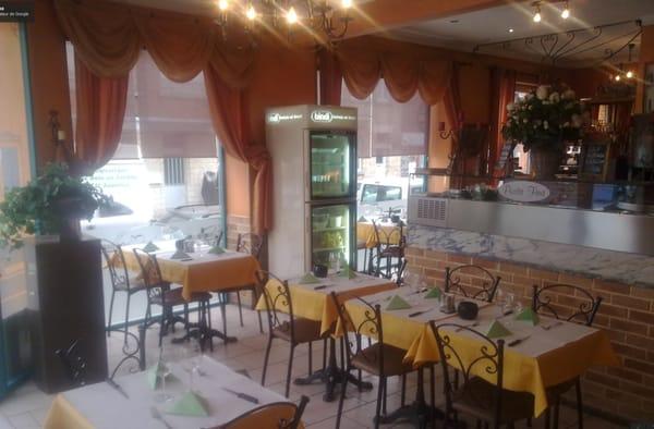 Pizzeria Pasta Fina  Restaurants  Rue Edmond Delcourt 44  ~ Restaurant Au Feu De Bois