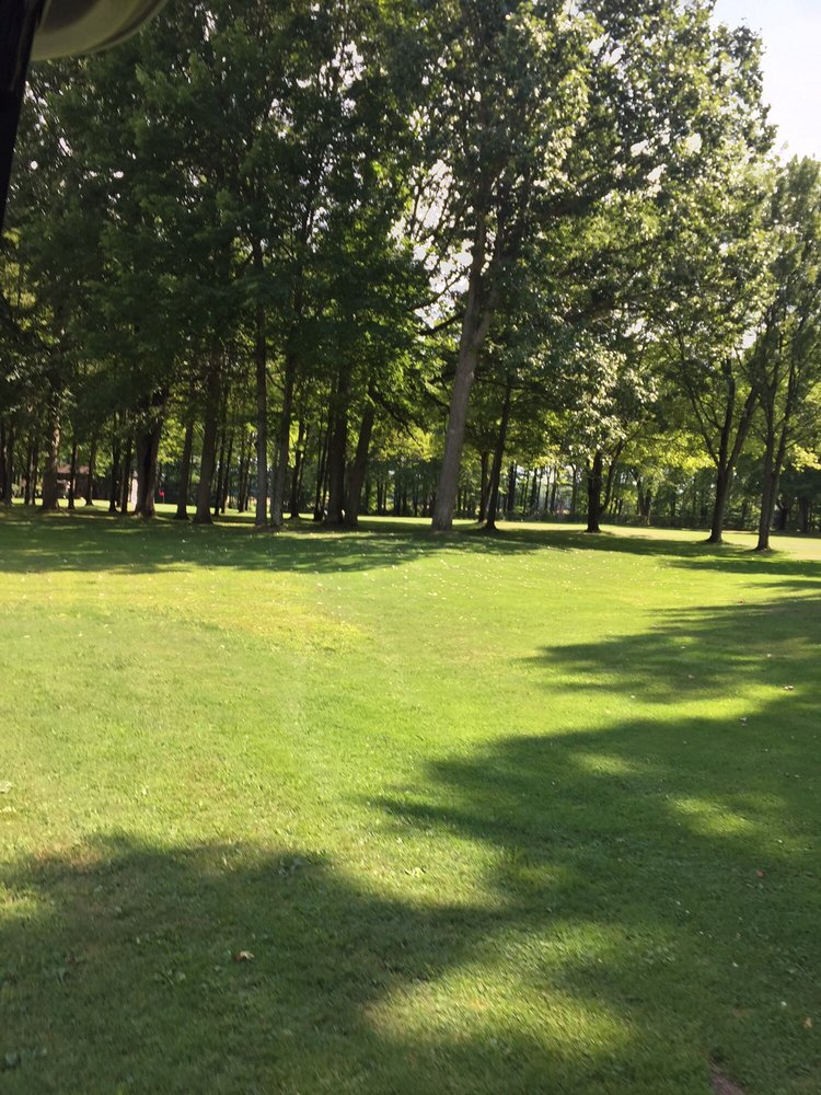 Andover Golf Course: 5762 State Route 7, Andover, OH