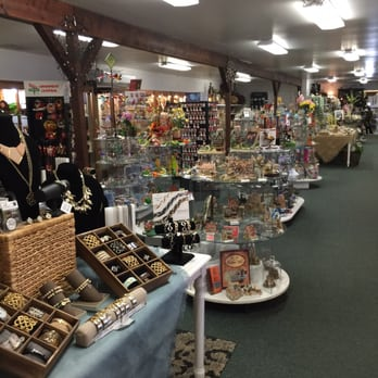 The Shoppes at American Candle features Candles, Jewelry, Candy, Clothing, Home Decor, Unique Gifts and other great items throughout the store. A must stop while visiting the Pocono Mountains.4/4(30).