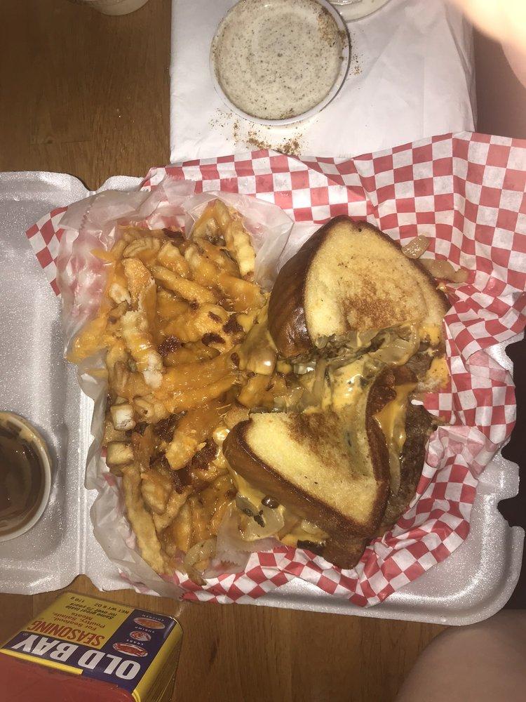Oasis Bar & Grill: 6720 University Blvd E, Cottondale, AL