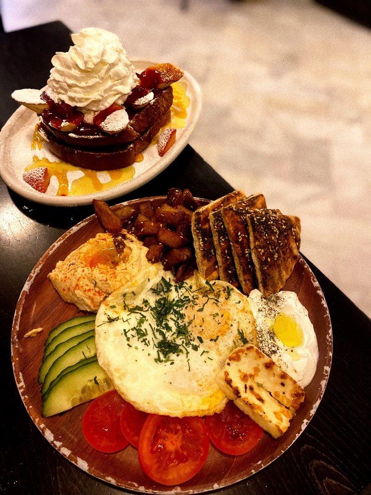 Cafe La Maude