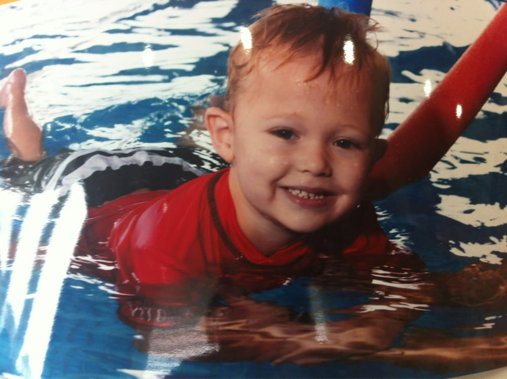 Little fishes swim school swimming pools 8 florence st for Little fish swim school