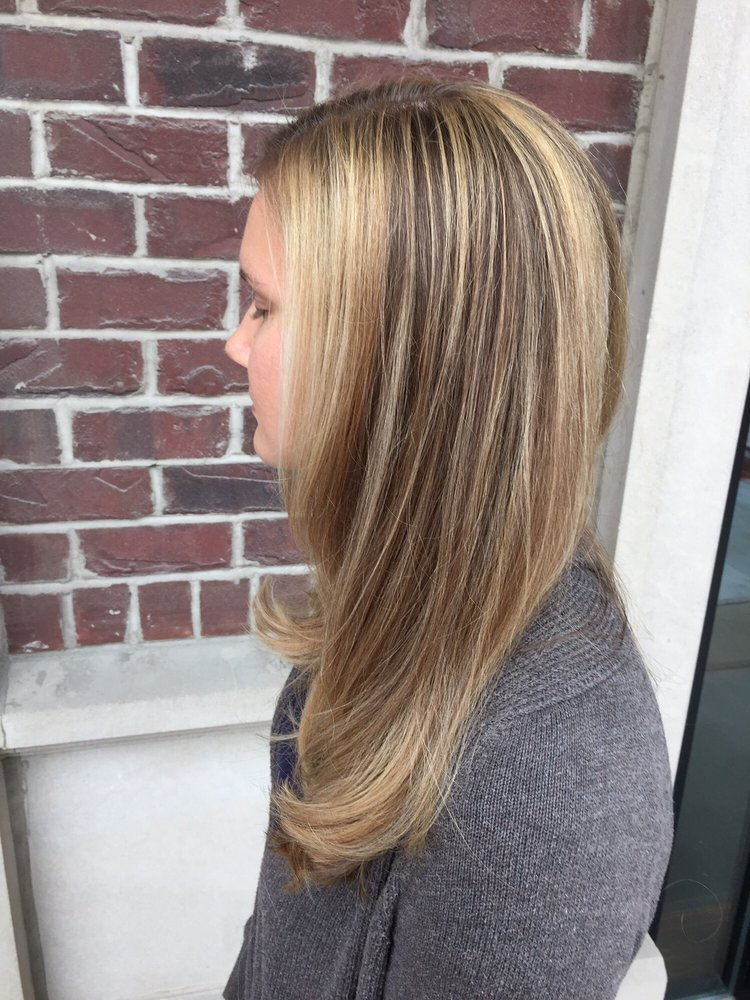 Balayage Blonde Highlights With Lots Of Layers Yelp