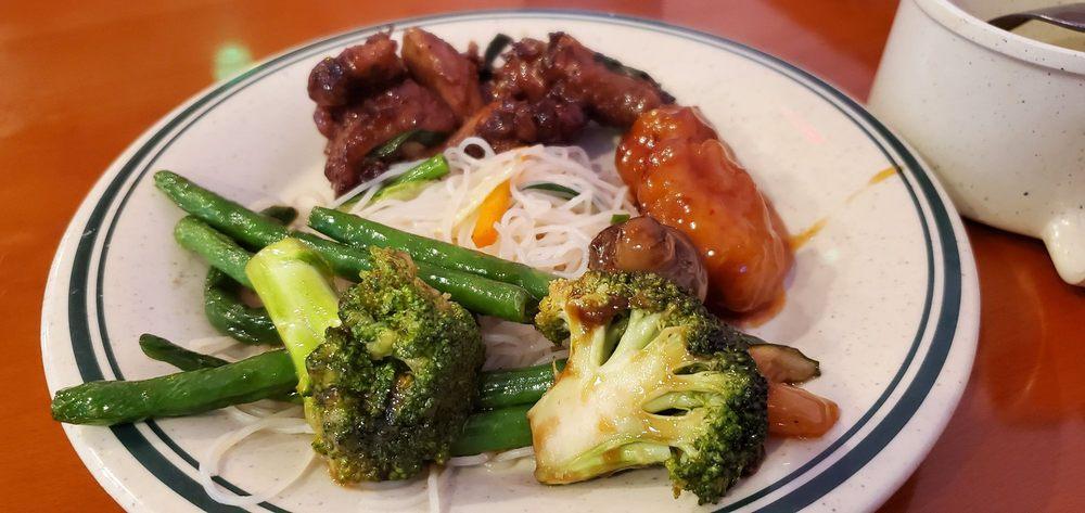 Great Wall Restaurant: 112 Wp Malone Dr, Arkadelphia, AR