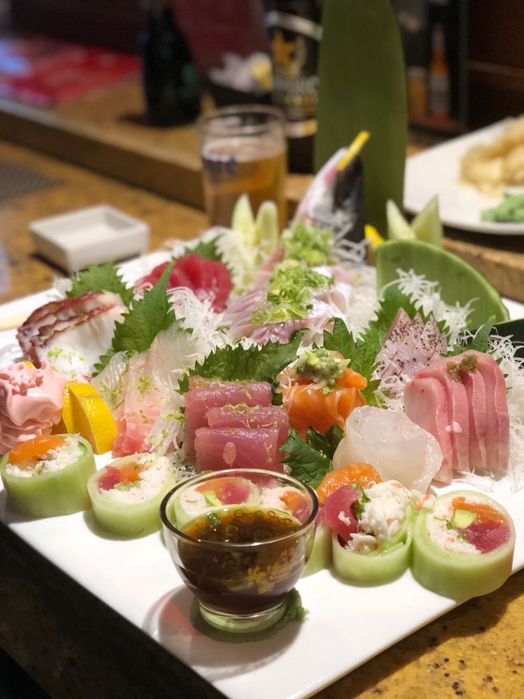 Sushi Story - Castaic: 28050 Hasley Canyon Rd, Castaic, CA
