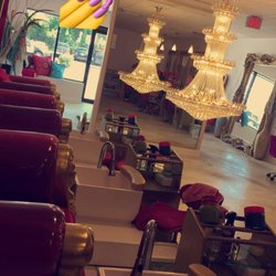 Dera ebele s nail boutique 30 350 franklin for Above and beyond beauty salon