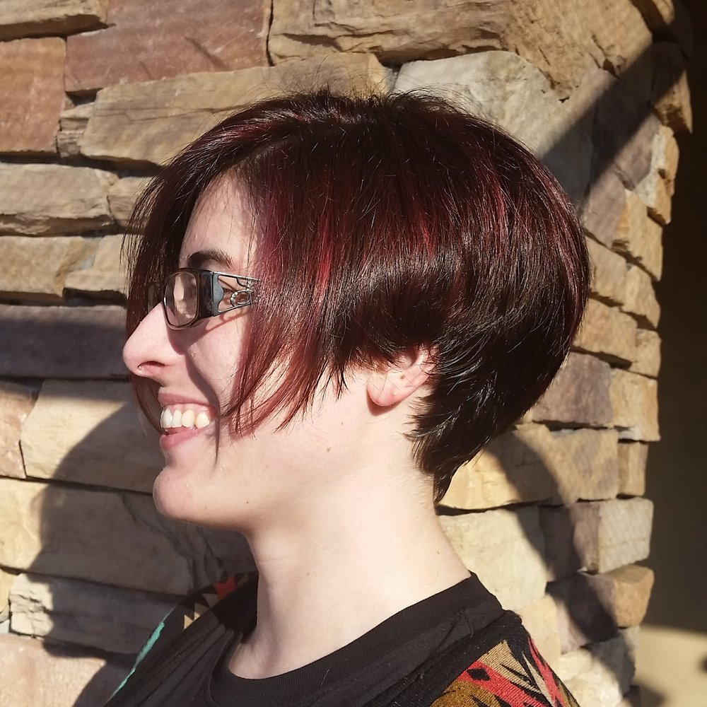 Colorist At Bouffant Beauty Bar In La Mesa Ca Amelia Violet Camp Recently Helped Her Client Achieve This Rich Vibrant Red Colormelt