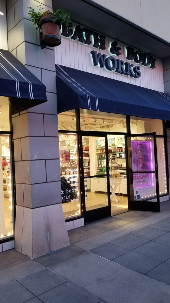 Bath & Body Works: 260 W Birch St, Brea, CA