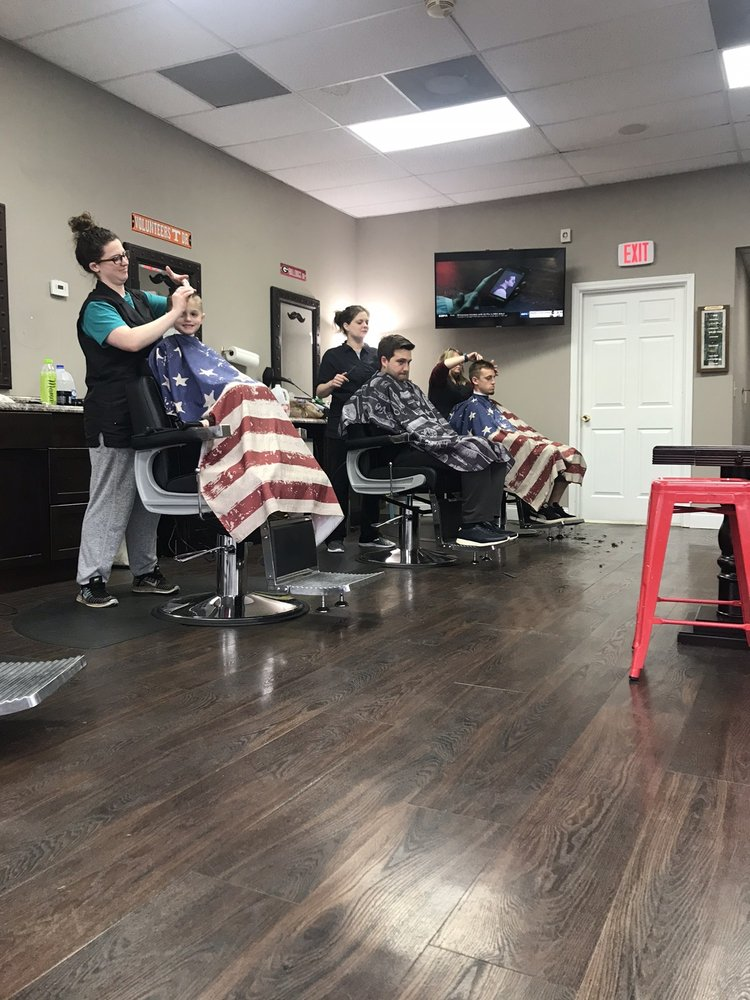 Lakeside Barber Shop: 3195 Acworth Due W Rd, Kennesaw, GA
