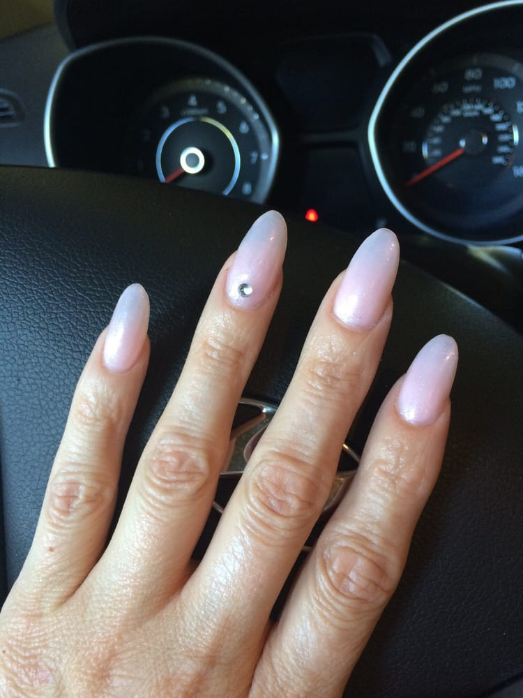 Love my natural barely pink nails with the elegance of a single ...