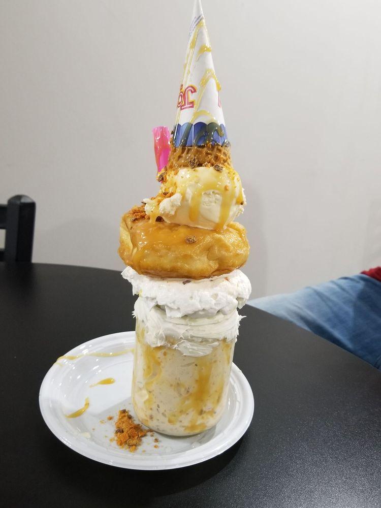 Main Street Creamery : 110 W Main St, Washington, MO