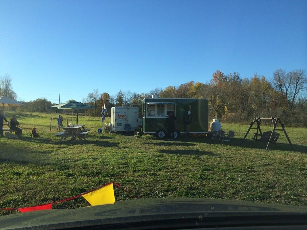 Broken Arrow Roadside Food Stand: 104 US Hwy 2 NW, South Hero, VT