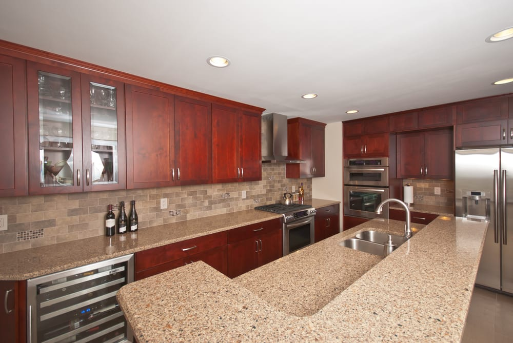 These are kemper cabinets in maple with a cranberry finish - Kemper kitchen cabinets reviews ...