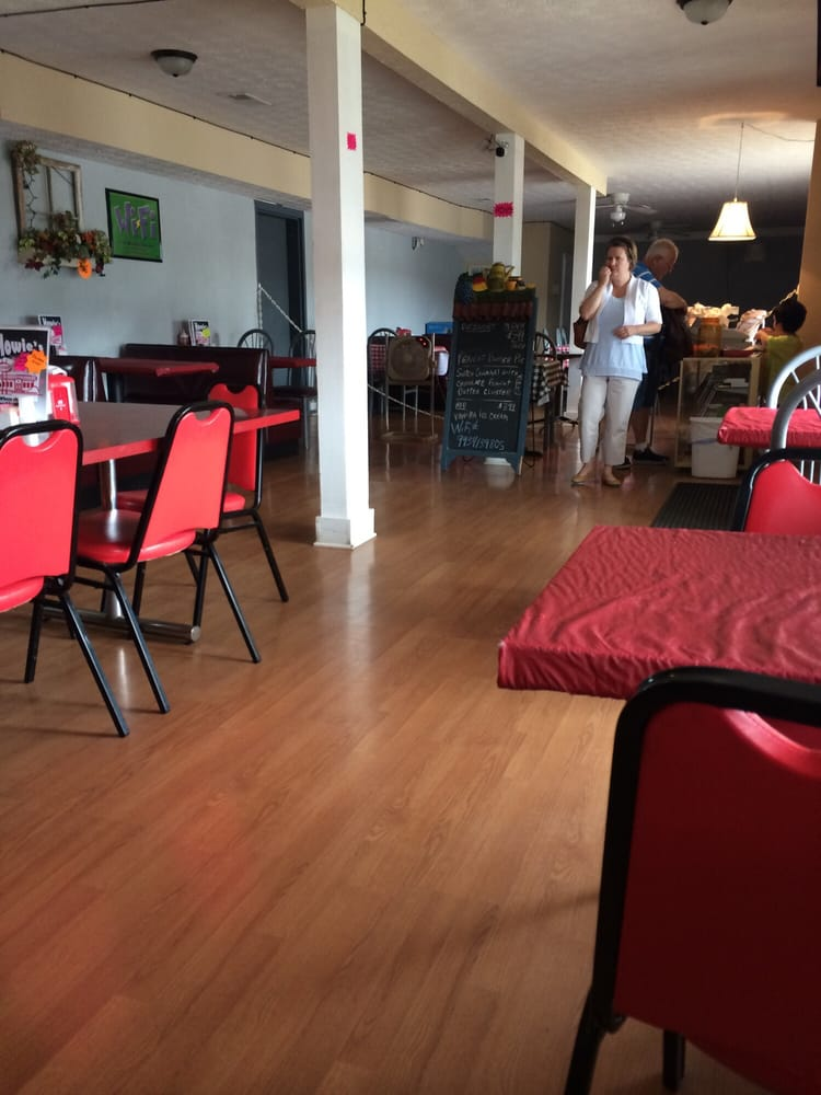 Howie's Family Restaurant: 127 S Main St, New Haven, KY