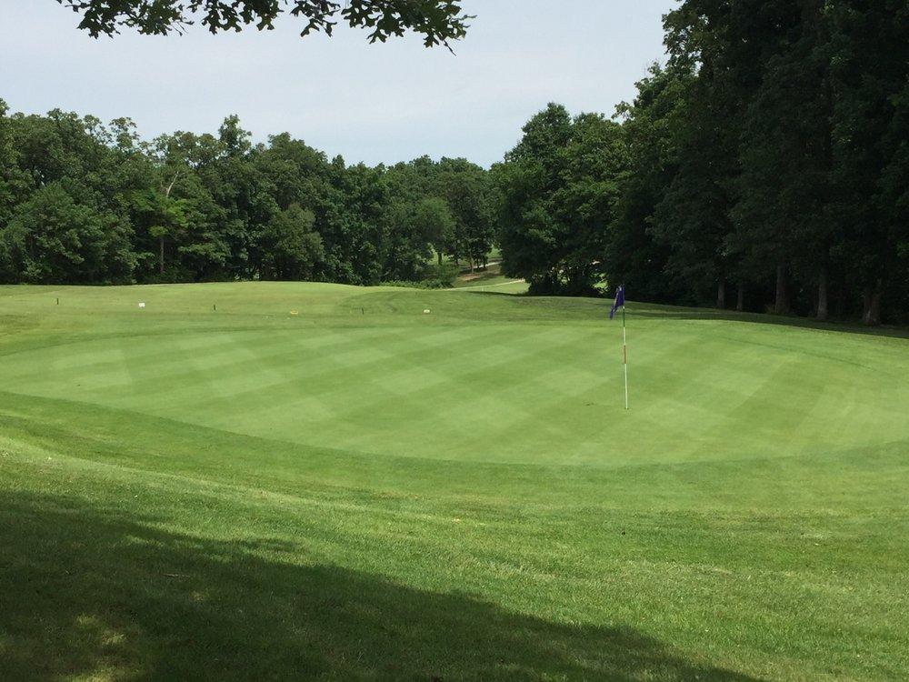 Royal Oaks Golf Course: 985 SE 130th, Knob Noster, MO