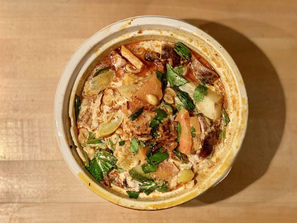 Yummy Kitchen: Warren St X 5th St, Hudson, NY